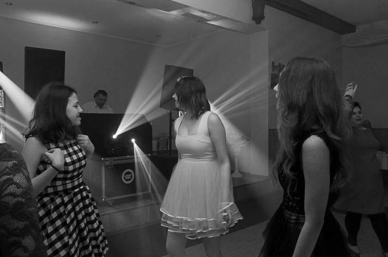 DJ na osiemnastkę Osiemnaste urodziny Agata Bogucka świetlica w Bystre koło Oleśnicy DJ Raf&Mike