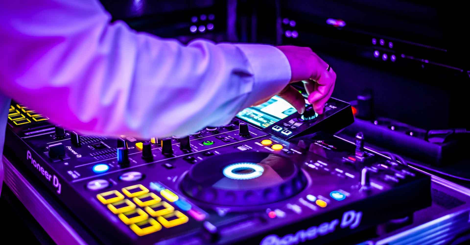 Od 6 czerwca możliwość imprez okolicznościowych do 150 osób DJ Raf&Mike