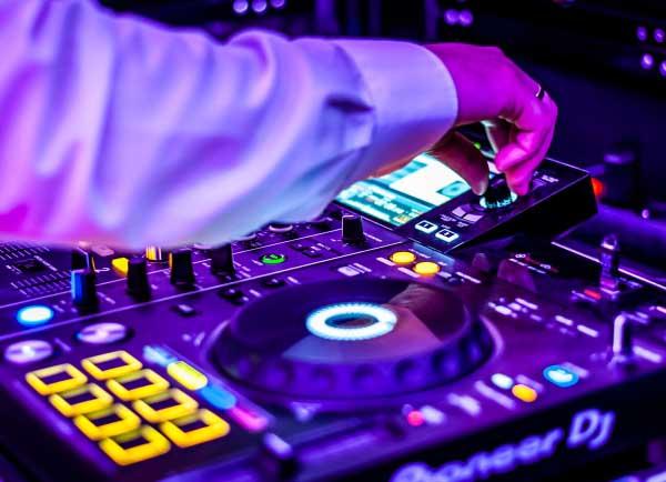 DJ na imprezę Trzebnica, DJ Oferta Trzebnica, DJ Trzebnica Oprawa muzyczna na imprezę Trzebnica, Oprawa muzyczna wesela Trzebnica, muzyka na wesele Trzebnica, Oferta oprawy muzycznej imprezy Trzebnica, DJ Oferta na imprezy okolicznościowej Trzebnica, DJ Raf-Party